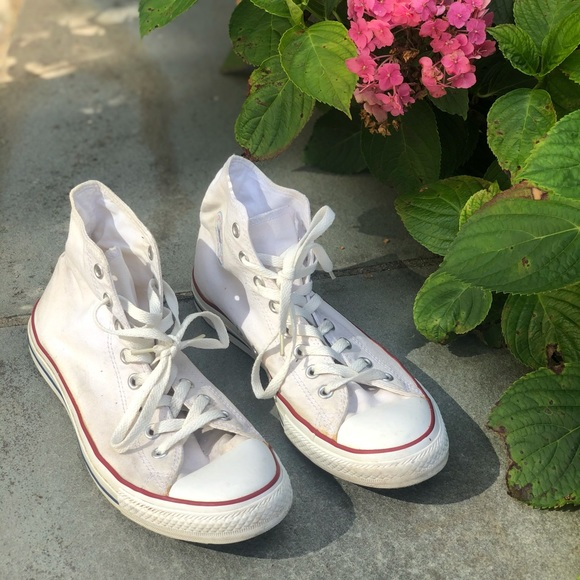 Chuck Taylor All Stars Size 10 - Pre Owned